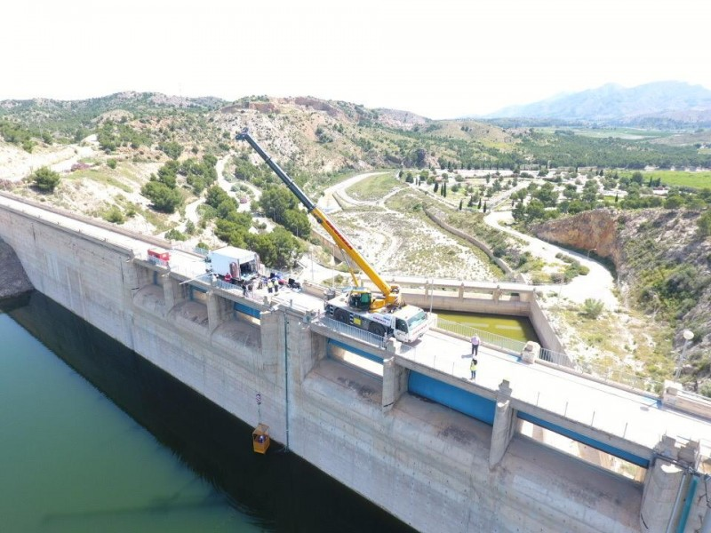 <span style='color:#780948'>ARCHIVED</span> - CHS works to repair the Santomera dam following the Gota Fria last year