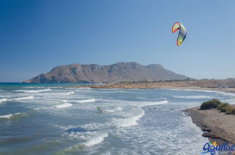 Águilas re-opens its beaches in phase 2 for swimming and sport