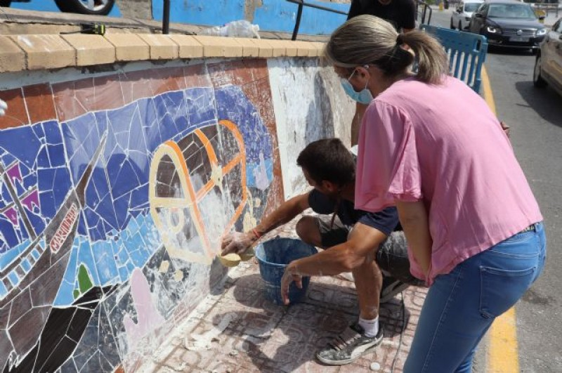 <span style='color:#780948'>ARCHIVED</span> - Águilas takes graffiti art to another level – with mosaics