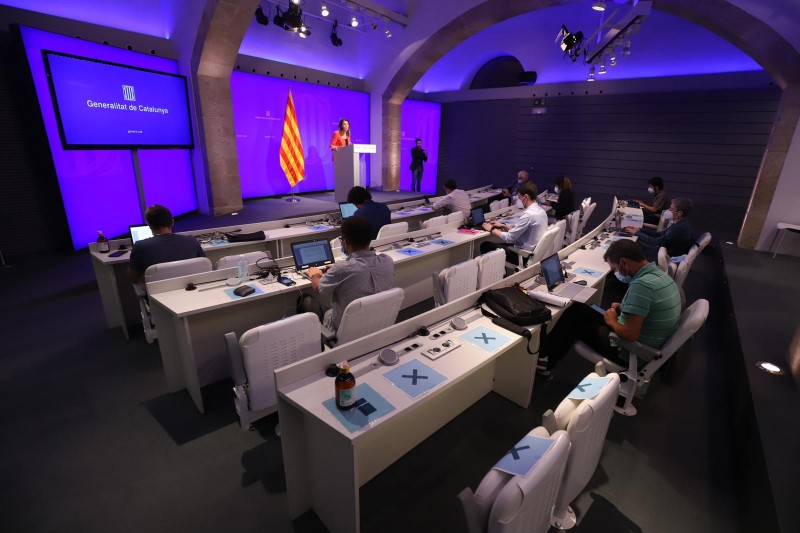<span style='color:#780948'>ARCHIVED</span> - Catalonia opts to leave the state of emergency just hours after Barcelona moves into phase 3