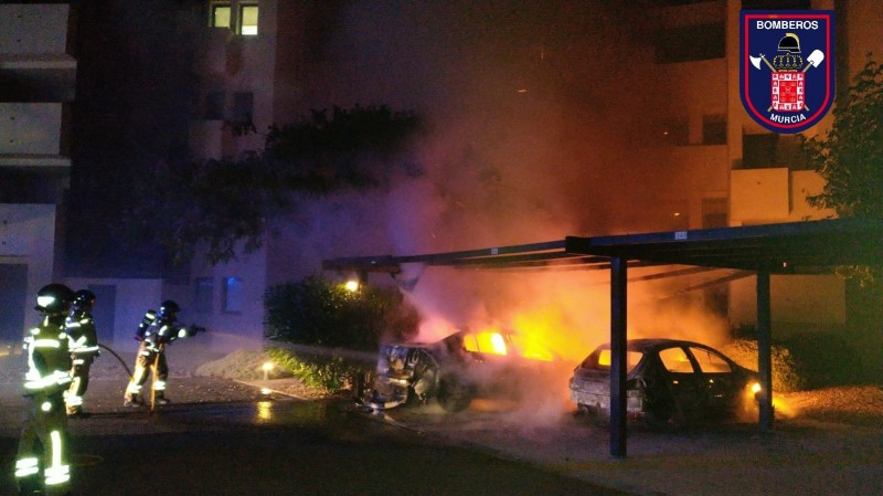 <span style='color:#780948'>ARCHIVED</span> - Car fire on Corvera golf resort at 3am in the morning