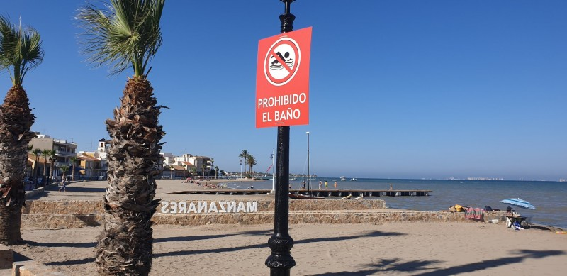 Three Los Alcázares beaches prohibit bathing due to Gota Fría damage