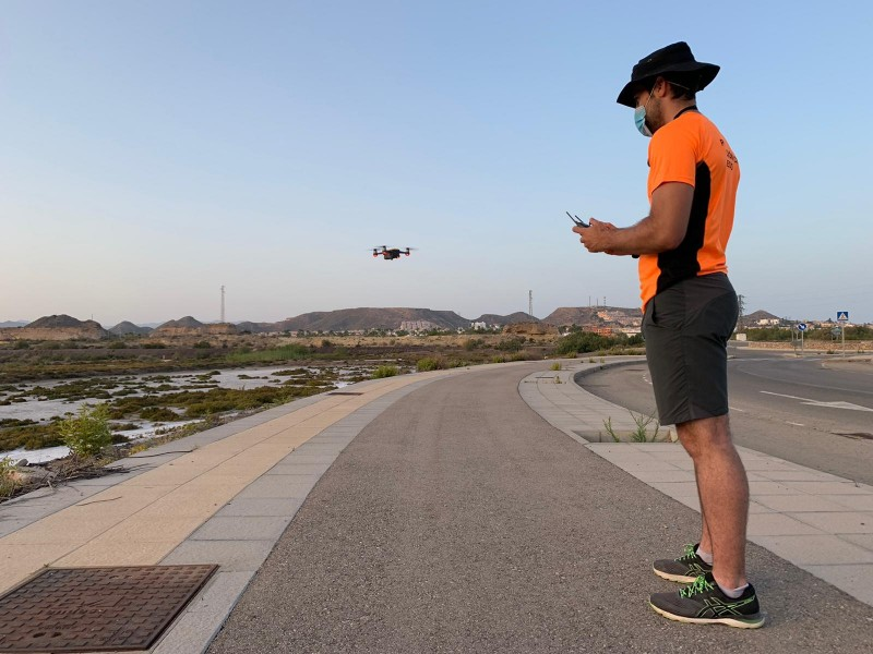 <span style='color:#780948'>ARCHIVED</span> - 5 new drone vigilance pilots qualify in Aledo as fire season hots up