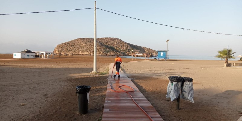 <span style='color:#780948'>ARCHIVED</span> - 20 workers to keep Mazarrón clean this summer