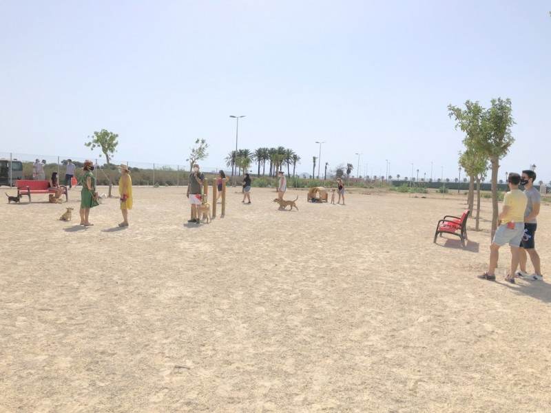 <span style='color:#780948'>ARCHIVED</span> - New dog exercising area opens in Los Alcázares