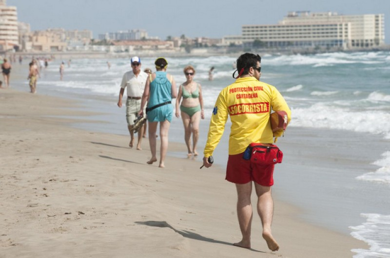 <span style='color:#780948'>ARCHIVED</span> - Seven yellow flags for caution on Murcian beaches this Thursday