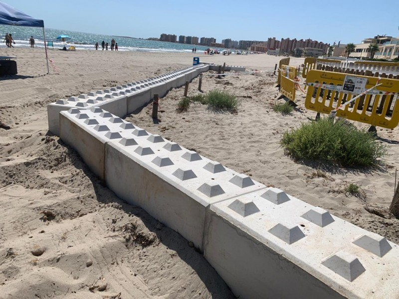 <span style='color:#780948'>ARCHIVED</span> - Major fortifications erected to protect turtle eggs in La Manga del Mar Menor