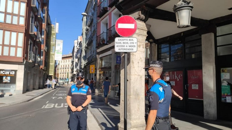 <span style='color:#780948'>ARCHIVED</span> - Man arrested for refusing to wear mask on a bus in Castilla y León