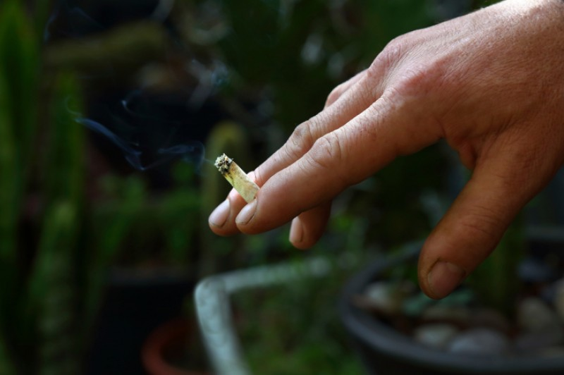<span style='color:#780948'>ARCHIVED</span> - Galicia and the Canary Islands ban smoking in public areas due to Covid risk