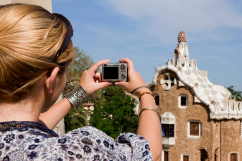 <span style='color:#780948'>ARCHIVED</span> - Spain lost 75 percent of tourists and 79 percent of tourism revenue during July