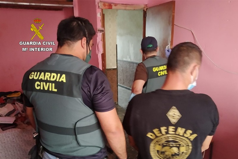 <span style='color:#780948'>ARCHIVED</span> - Rumanian gang ripped out cabling in Murcia and Alicante to recover the copper