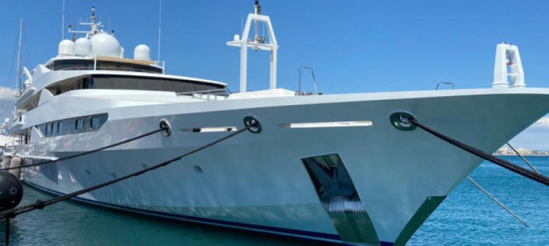 <span style='color:#780948'>ARCHIVED</span> - Four covid cases on luxury yacht owned by Qatari royal family docked in Mallorca