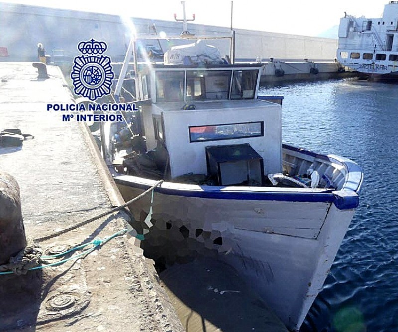 Two crew of fishing boat which brought 79 Algerians to Murcia last week arrested