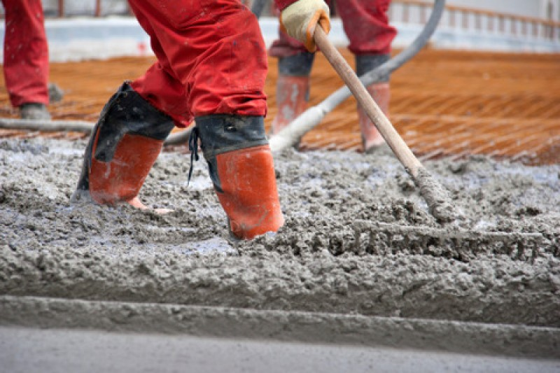 A drop in cement consumption highights current inactivity in the construction sector