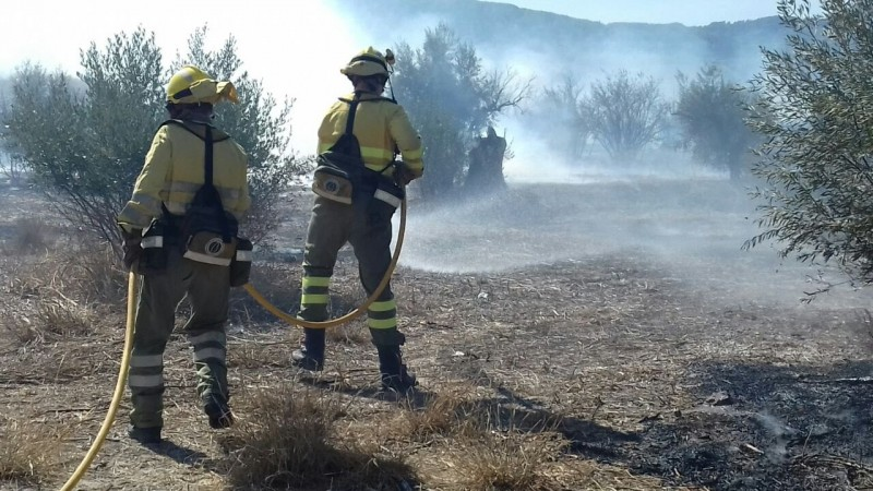 <span style='color:#780948'>ARCHIVED</span> - Fire close to school and urban area extinguished in Cieza