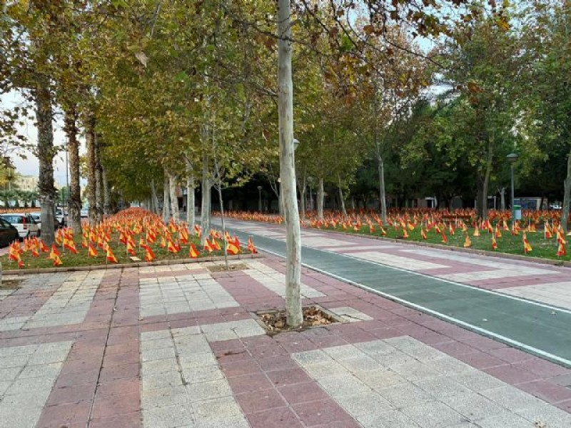 <span style='color:#780948'>ARCHIVED</span> - 56,000 Spanish flags in Murcia city to highlight Covid dead in Spain