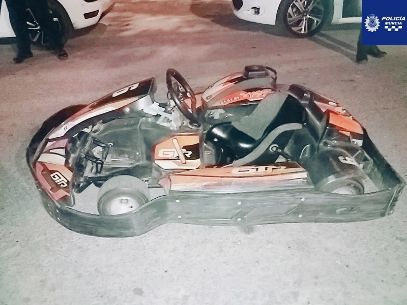 <span style='color:#780948'>ARCHIVED</span> - Youths steal Go-Karts to drive in the streets of Murcia City