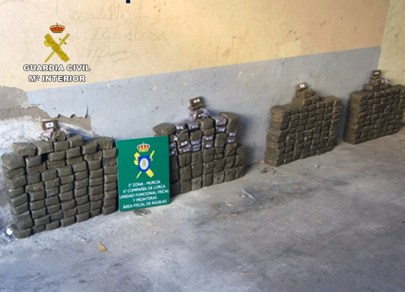 153 kilos of hashish found during vehicle checks on the RM-11 Lorca-Aguilas
