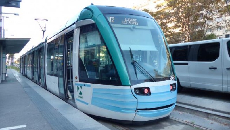 Barcelona trams equipped with PPE