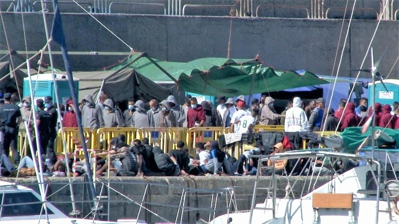 Migrant crisis in the Canary Islands as detention facilities spill over