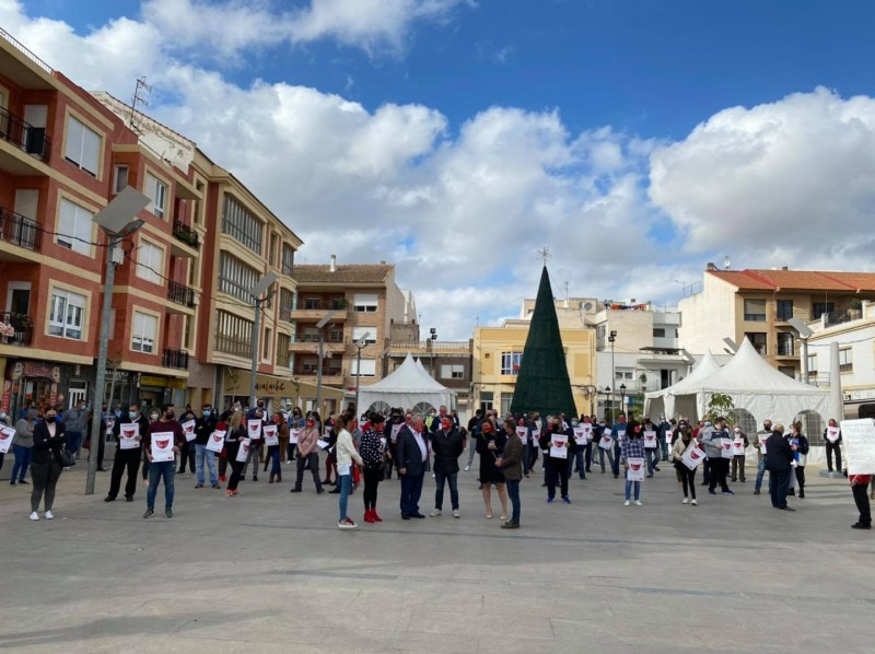 <span style='color:#780948'>ARCHIVED</span> - Torre Pacheco hostelry sector protests against continued closure of their businesses