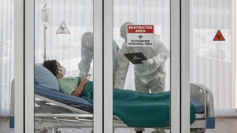 <span style='color:#780948'>ARCHIVED</span> - Catalan doctors warn of the dangers of coronavirus negationists