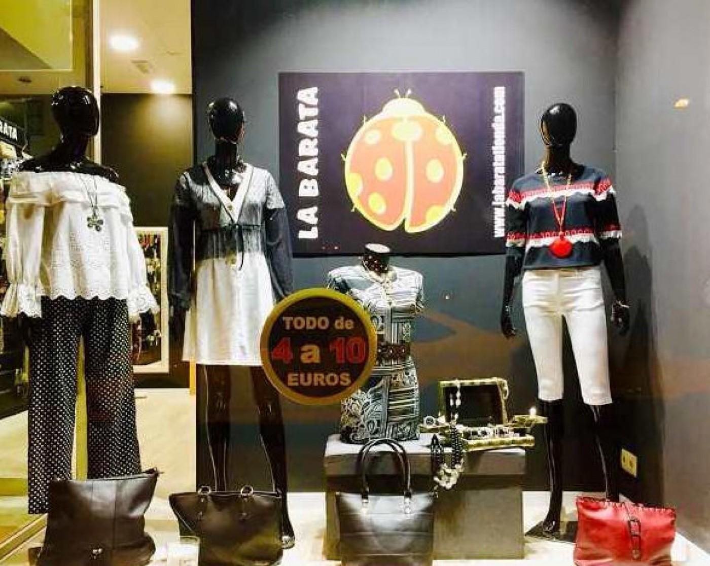La Barata low-cost ladies fashion in Puerto de Mazarrón