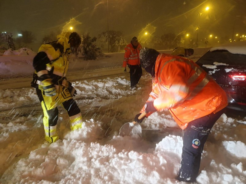 Central Spain deals with biggest snowstorm in 50 years