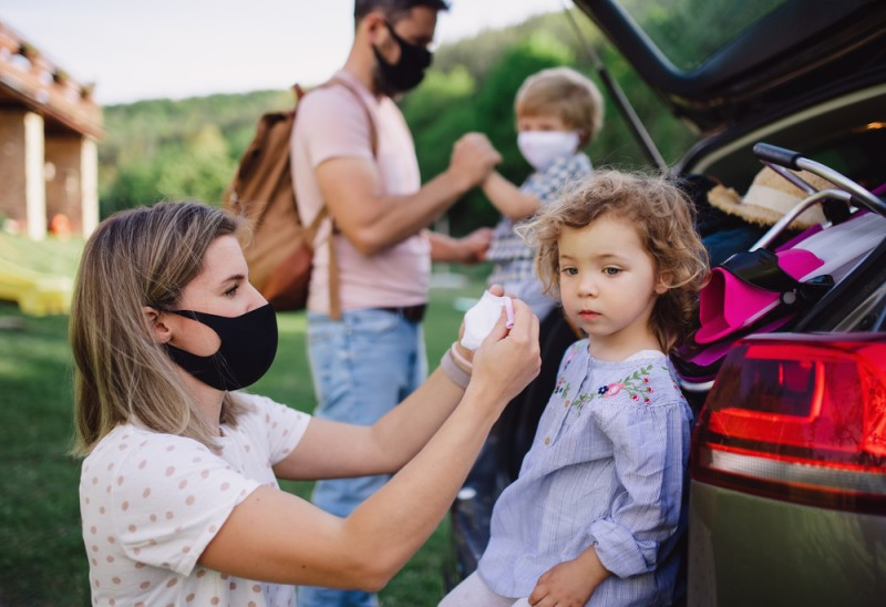 Covid pandemic causing Spaniards to delay having children, survey concludes