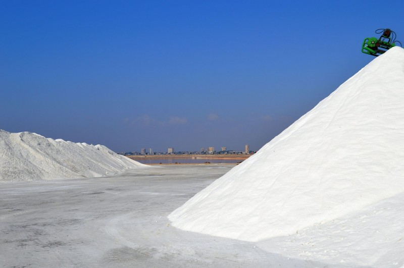 <span style='color:#780948'>ARCHIVED</span> - Heavy snowfall in Spain brought sales boom for the salt pans of San Pedro del Pinatar