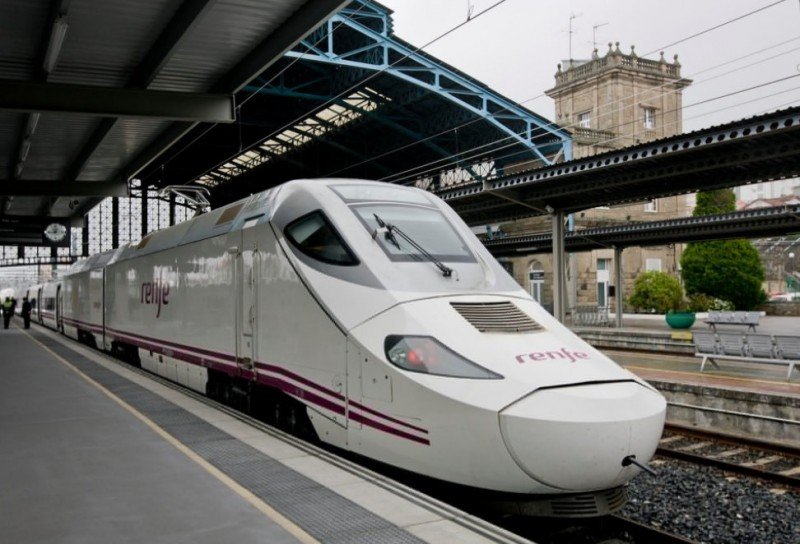 <span style='color:#780948'>ARCHIVED</span> - Record losses for Spanish rail company Renfe with almost half of passengers in 2020 lost to the pandemic