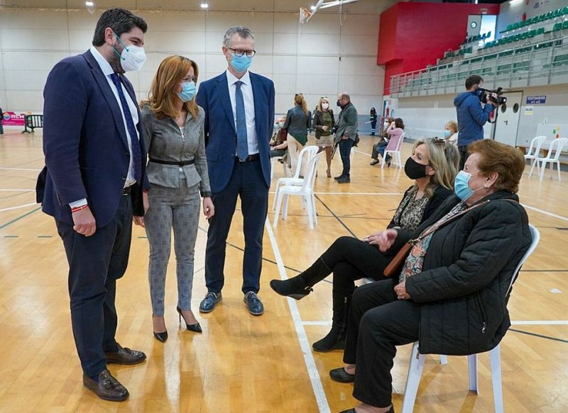<span style='color:#780948'>ARCHIVED</span> - Vaccination of over 80s will take until end of April in Murcia region