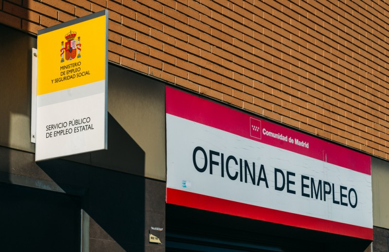 <span style='color:#780948'>ARCHIVED</span> - Unemployment soars in Spain with over 4 million people now out of work