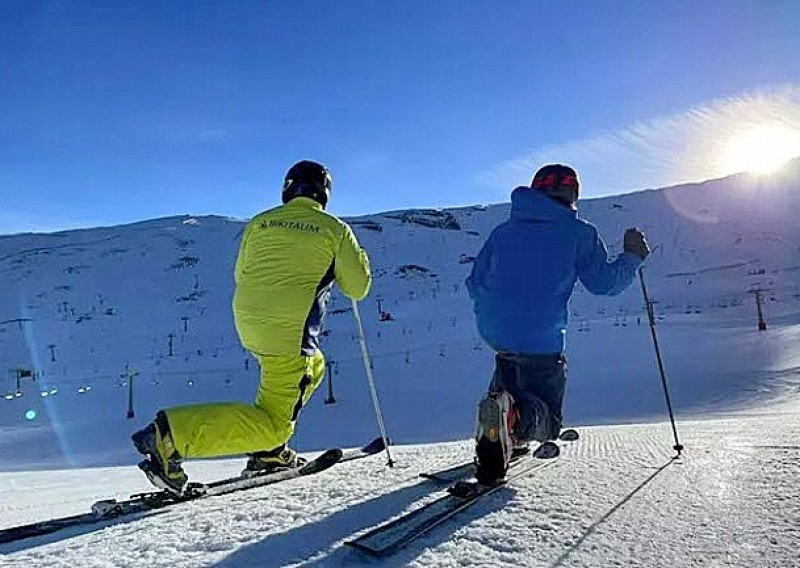 <span style='color:#780948'>ARCHIVED</span> - Sierra Nevada registers more than 36,000 skiers over Easter week