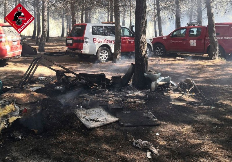<span style='color:#780948'>ARCHIVED</span> - Alicante firecrew extinguish forest fire in Gaianes natural park
