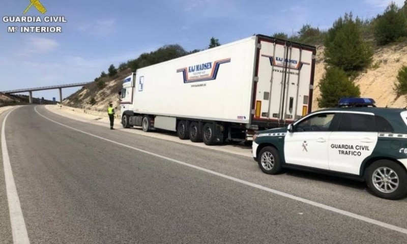 <span style='color:#780948'>ARCHIVED</span> - Truck driver intercepted in Alcoy was five times over the limit