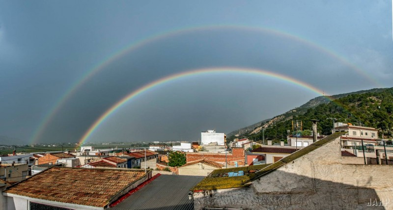 <span style='color:#780948'>ARCHIVED</span> - Double rainbow over Orihuela