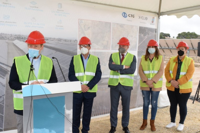 <span style='color:#780948'>ARCHIVED</span> - Chinese state-owned company presents Mazarrón solar power plant; its fourth plant in the Murcia region