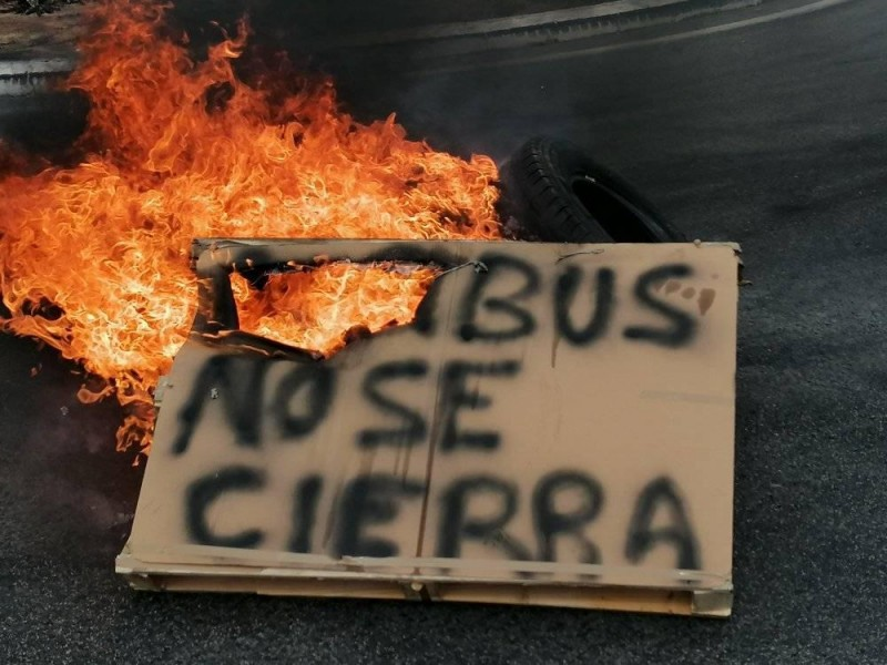 <span style='color:#780948'>ARCHIVED</span> - Angry protests in Cádiz over the likely closure of the Airbus plant in Puerto Real