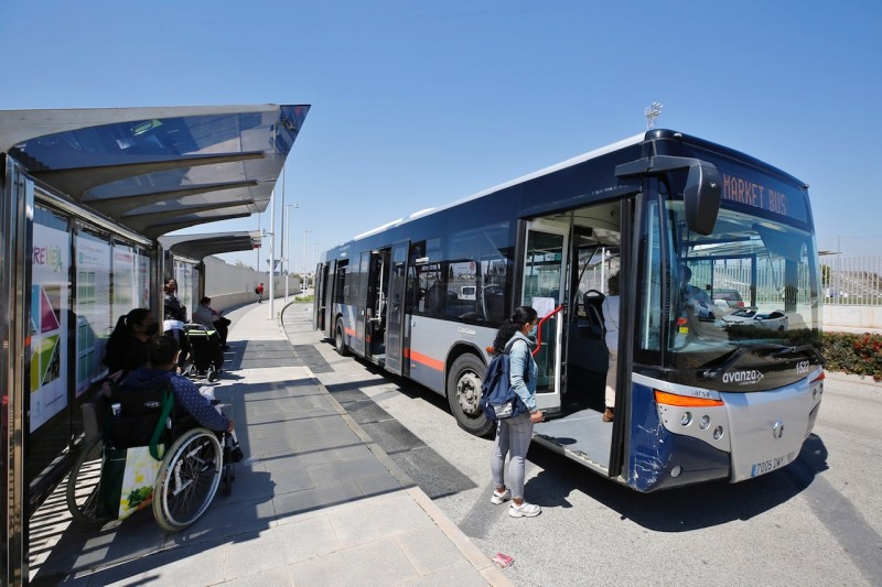 New bus stop to allow safer access to Torrevieja's weekly market