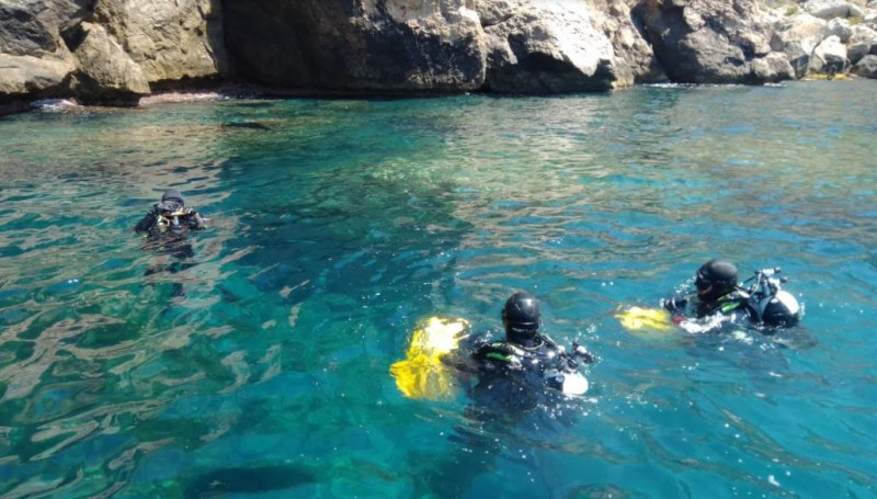 <span style='color:#780948'>ARCHIVED</span> - Navy divers help to protect the underwater archaeological heritage of Águilas