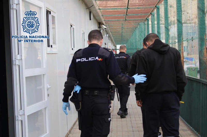 <span style='color:#780948'>ARCHIVED</span> - Nearly 400 irregular migrants reached Almeria province during the weekend