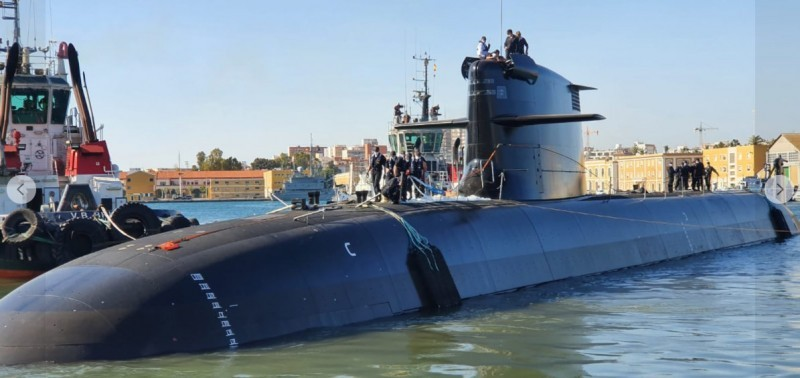 VIDEO New Spanish S-81 submarine reaches water at last in Cartagena