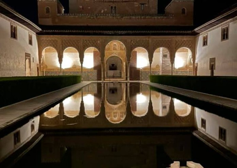 <span style='color:#780948'>ARCHIVED</span> - The Alhambra in Granada reopens for nocturnal visits