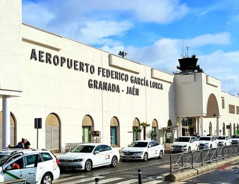<span style='color:#780948'>ARCHIVED</span> - Granada will invest €175,000 to boost its airport traffic post covid