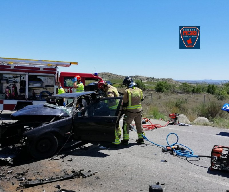 <span style='color:#780948'>ARCHIVED</span> - One dead and two injured in accident on RM-530 between Archena and Mula