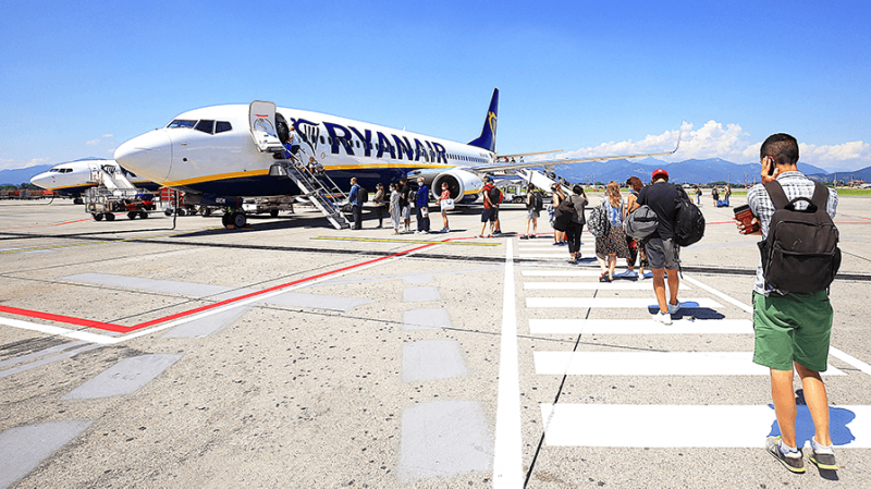 <span style='color:#780948'>ARCHIVED</span> - Ryanair set to resume UK flights into Corvera airport from Friday