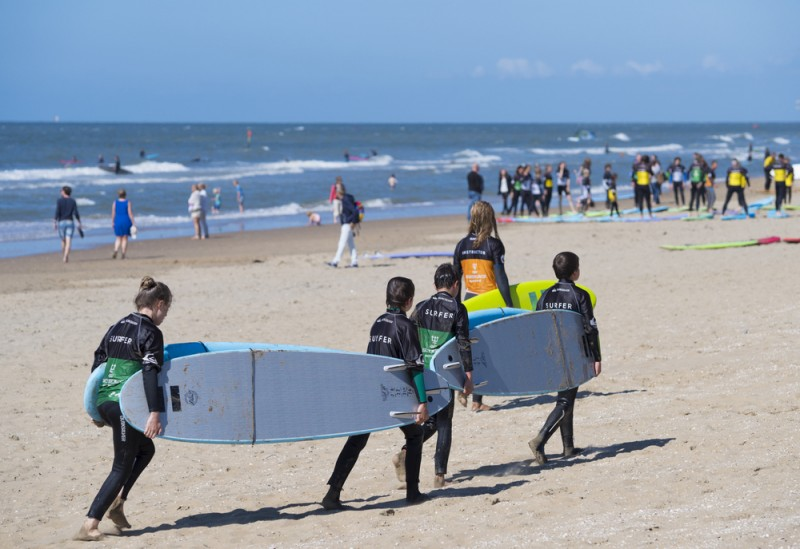 <span style='color:#780948'>ARCHIVED</span> - Orihuela opens its beaches to surfers: Cala Cerrada is ideal for surfers