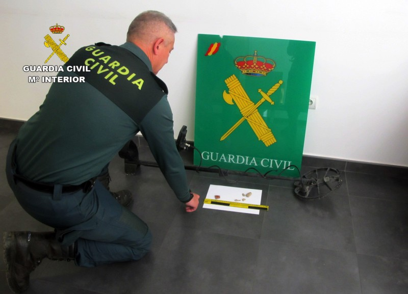 <span style='color:#780948'>ARCHIVED</span> - Man caught using metal detector and pickaxe on archaeological site in Lorca arrested