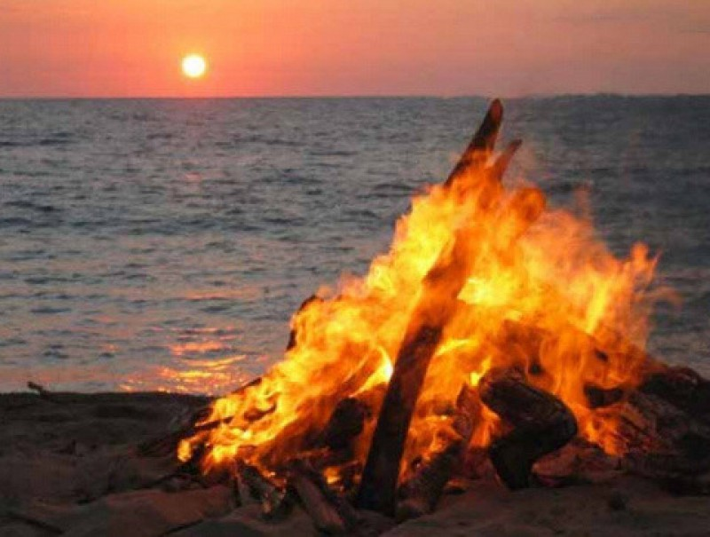 <span style='color:#780948'>ARCHIVED</span> - San Juan beach bonfire celebrations ruled out in Valencia city